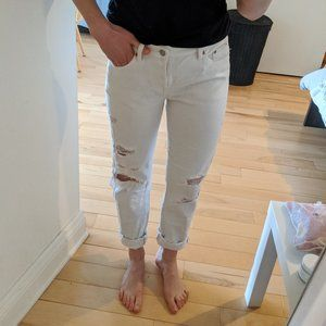 white relaxed boyfriend jeans